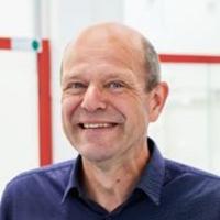 Dr. Ton Vries